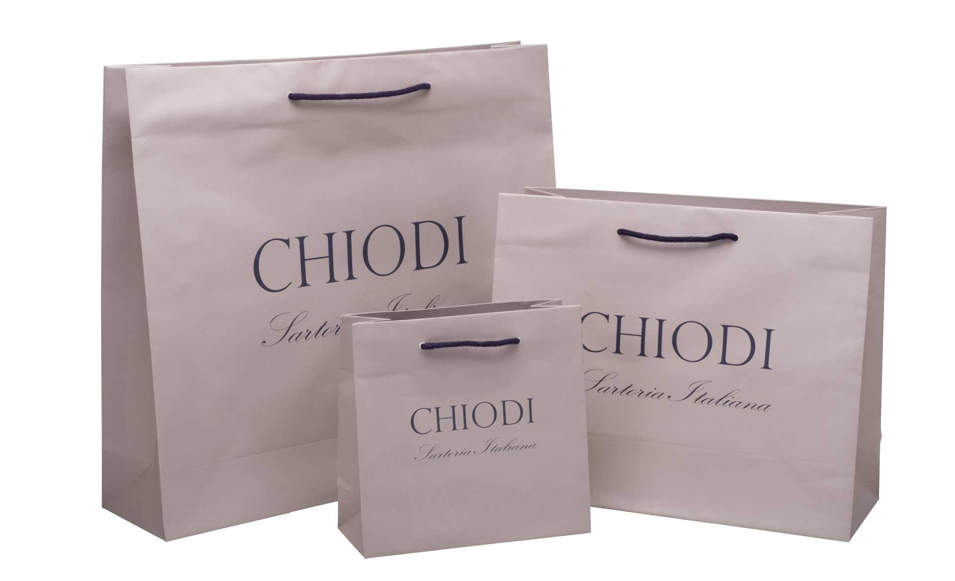 set di borsette in carta marrone chiaro